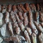 Bak de keto patat 10 minuten in de voorverwarmde oven