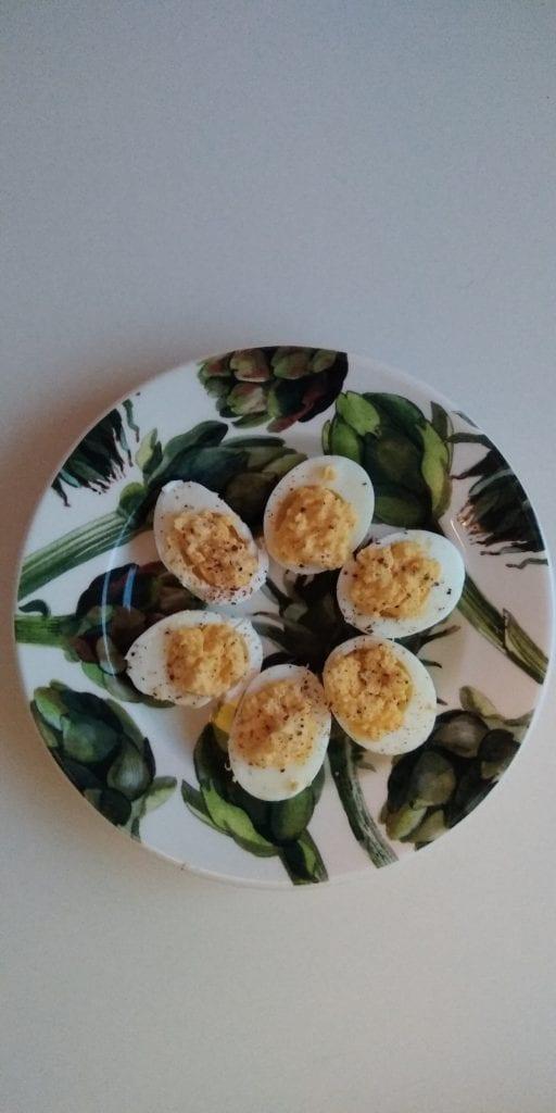 Keto hapjes: gevulde eieren