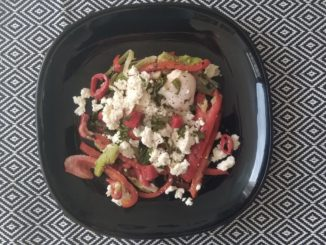 Keto lunch: Gegrilde avocado met ei