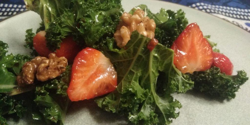 Lekkere keto salade met boerenkool