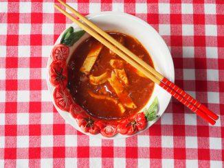 Keto Chinese tomatensoep met kip